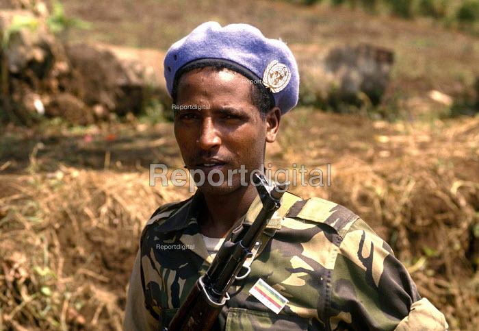 Ethiopian UN soldier on patrol shortly after the Rwandan genocide in south west Rwanda. 1994 - Howard Davies - 1994-05-03
