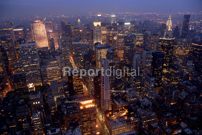 New York skyline from the Empire State Building, New York, USA 2006 - Howard Davies - 2006-05-18