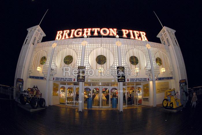 Brighton Pier formerly known as the Palace Pier, Brighton, UK 2007 - Howard Davies - 2007-12-21