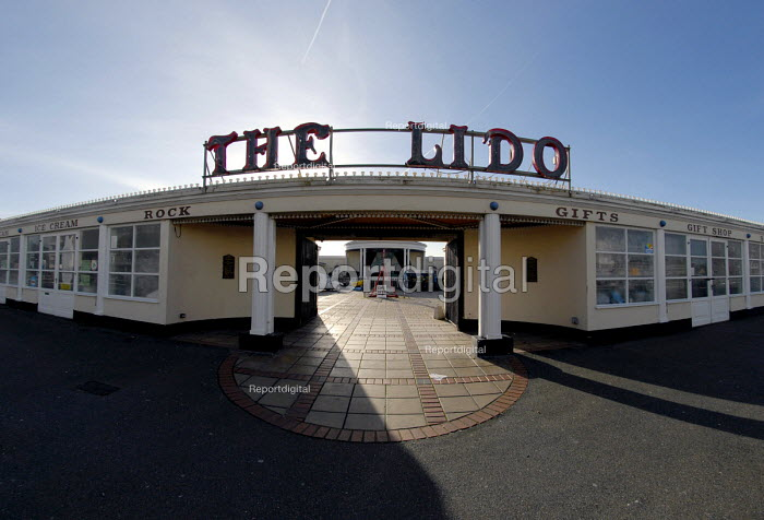 The Lido on Worthing sea front, Sussex, UK 2008 - Howard Davies - 2008-01-22