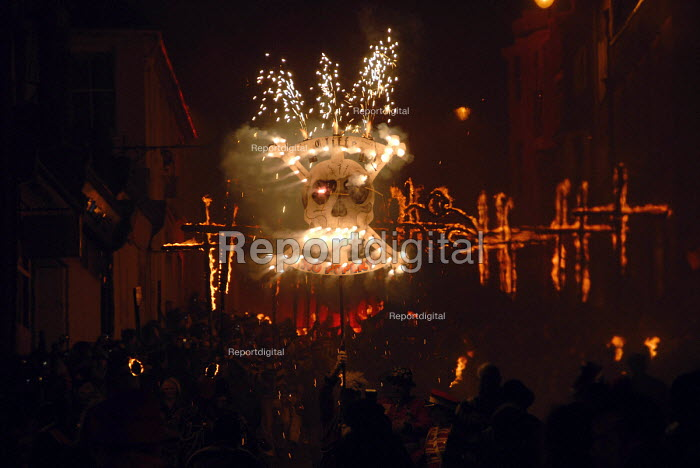 Cliffe Bonfire Society with their No Popery motto and skull marching during the traditional bonfire night parade in Lewes, East Sussex, commemorating Guy Fawkes and the Gunpowder Plot. UK 2008 - Howard Davies - 2008-11-05