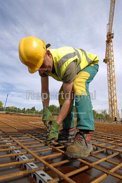 Polish migrant worker on a building site in Wednesbury - Timm Sonnenschein - 2007-05-22