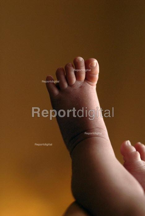 Baby feet - Timm Sonnenschein - 2007-07-13