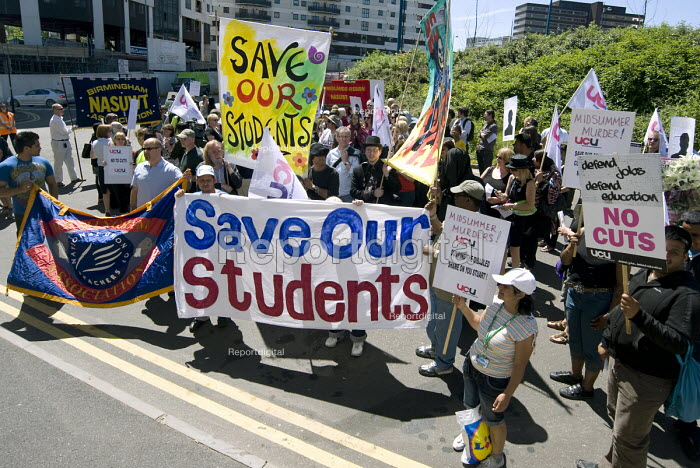 UCU members on strike to defend sacked staff at Birmingham City College and publicise public sector cuts holding a protest outside the Skills and Funding Agency - Timm Sonnenschein - 2010-06-21
