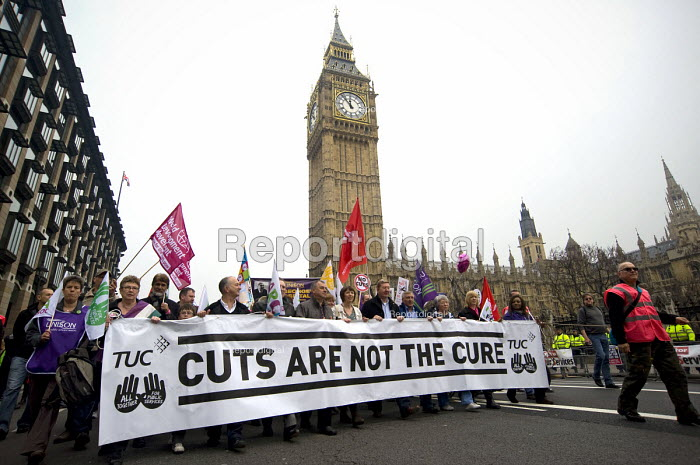 Brendan Barber, Frances O'Grady TUC, Len McCluskey Unite, Tony Woodley Unite The union, TUC March For the Alternative �passing the Houses of Parliament, London - Timm Sonnenschein - 2011-03-26