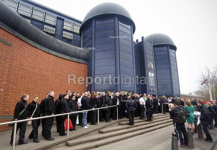 POA prison officers mass meeting outside Winson Green Prison �the day after the government announced its plan to privatise the Birmingham prison. - Timm Sonnenschein - 2011-04-01