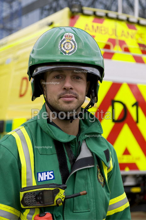 West Midlands Ambulance Service staff during Birmingham Shield exercise simulating chemical, biological, radiological or nuclear (CBRN) incident - Timm Sonnenschein - 2011-10-30
