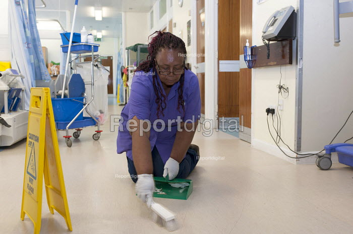 An NHS housekeeper cleaning the floor, Moseley Hall Hospital, Birmingham - Timm Sonnenschein - 2012-07-25