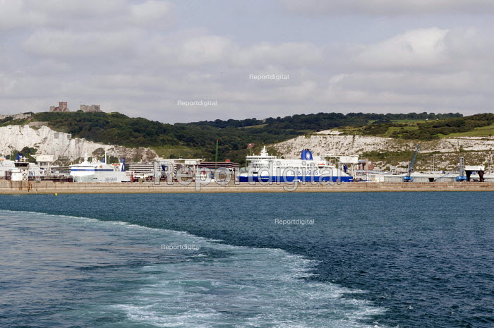 DFDS Seaways ferries at the Dover harbour - Timm Sonnenschein - 2012-07-28