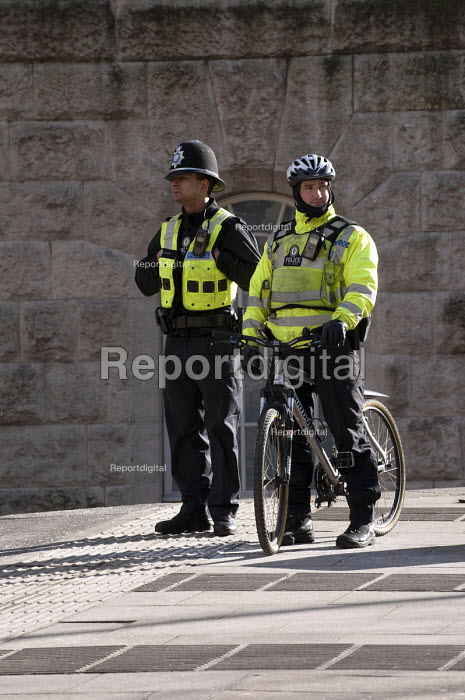 Police officers on foot and on a bicycle, Birmingham - Timm Sonnenschein - 2013-02-02