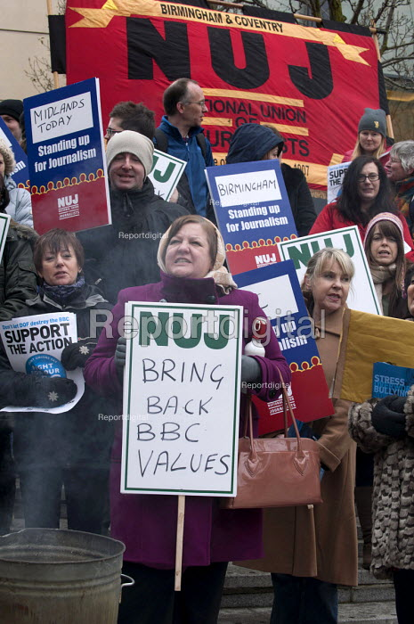 NUJ members on strike over workloads, stress, bullying & harassment and the threat of compulsory redundancy picketing outside the BBC, Birmingham Mailbox - Timm Sonnenschein - 2013-03-28