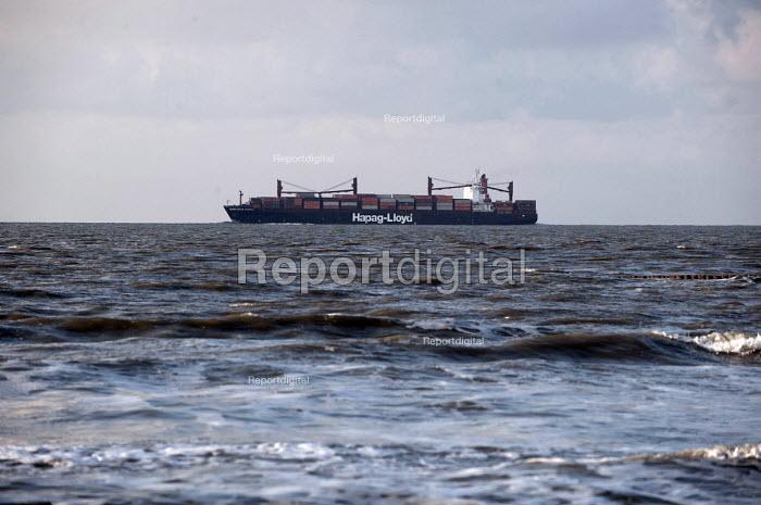 Hapag-Lloyd container ship Charleston Express passing the Dutch coast - Timm Sonnenschein - 2013-03-29