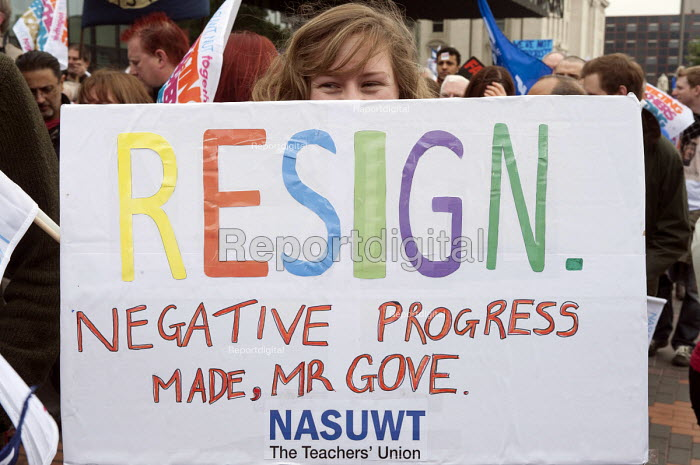 NASUWT members on strike over pay and pensions march through Birmingham - Timm Sonnenschein - 2013-10-01