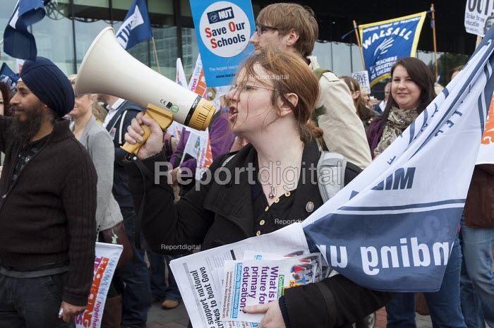 NUT and NASUWT teachers on strike over pay and pension march through Birmingham - Timm Sonnenschein - 2013-10-01