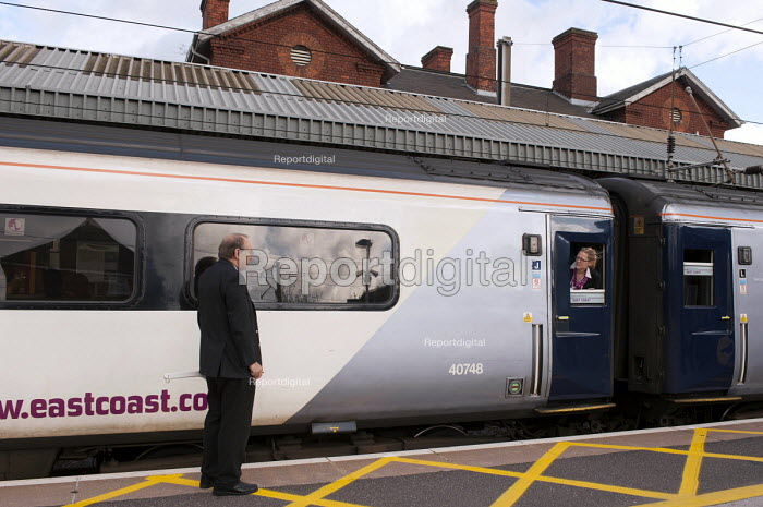 Staff at the East Coast Main line station in Grantham, Lincolnshire - Timm Sonnenschein - 2013-10-29