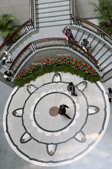Ground floor, Shanghai museum - Timm Sonnenschein - 2014-04-08