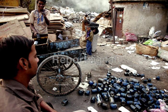 Scavenging through a Garbage dump, New Delhi, India - Tashi Tobgyal - 2007-12-07