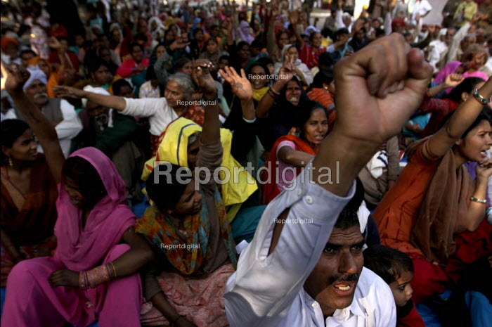 Crowd gathered at an Election rally and Campaign in New Delhi, India. - Tashi Tobgyal - 2009-05-05