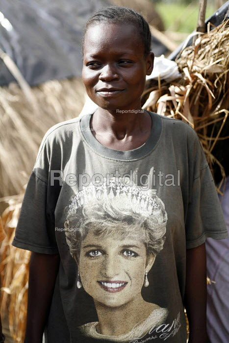 Woman soldiers with Princess Diana shirt among SPLA rebels training in Yei South Sudan. 2005 - Thomas Morley - 2005-11-12