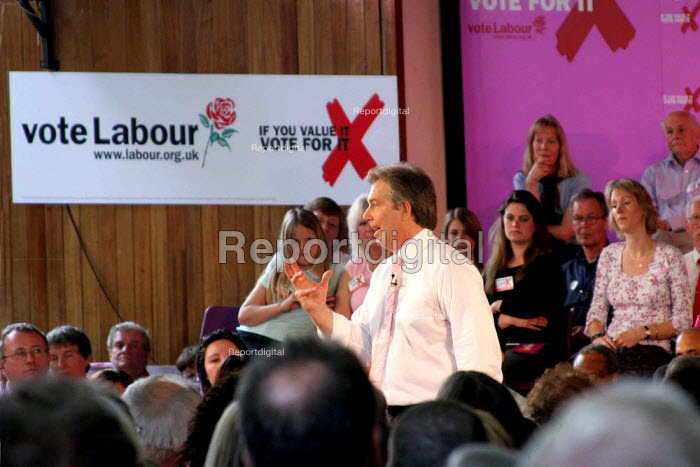 Tony Blair speaking at Labour Party general election campaign meeting, Watford, a marginal seat - Val Reynolds - 2005-05-01