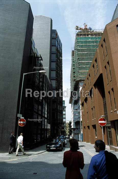 Offices in Marsden Street, city centre Manchester. - Len Grant - 2001-06-07