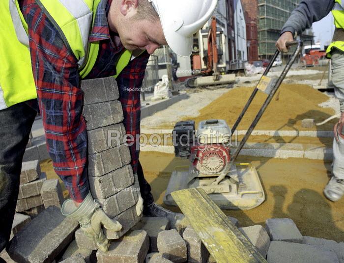 Paving works, Ancoats, Manchester. - Len Grant - 2001-02-20