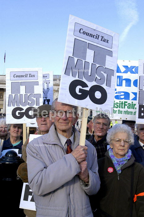 Pensioners rally against large increases in council tax, Trafalgar Square London - Paul Mattsson - 2004-01-17