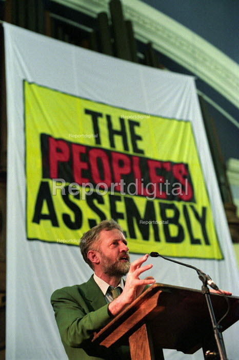 Stop the War Coalition Peoples Assembly against war in Iraq, Westminster Central Hall. Labour MP Jeremy Corbyn addresses delegates - Paul Mattsson - 2003-03-12