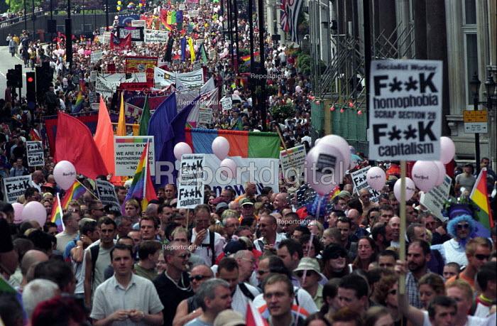 Mardi Gras 2002 Lesbian and Gay Pride march - Paul Mattsson - 2002-07-06