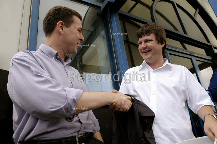 DWP PCS civil servants national two day pay strike. Picket of Stratford social security offices East London. Gen Sec Mark Serwotka with Charlie McDonald, DWP London regional union representative who is being victimised by DWP. - Paul Mattsson - 2004-07-30