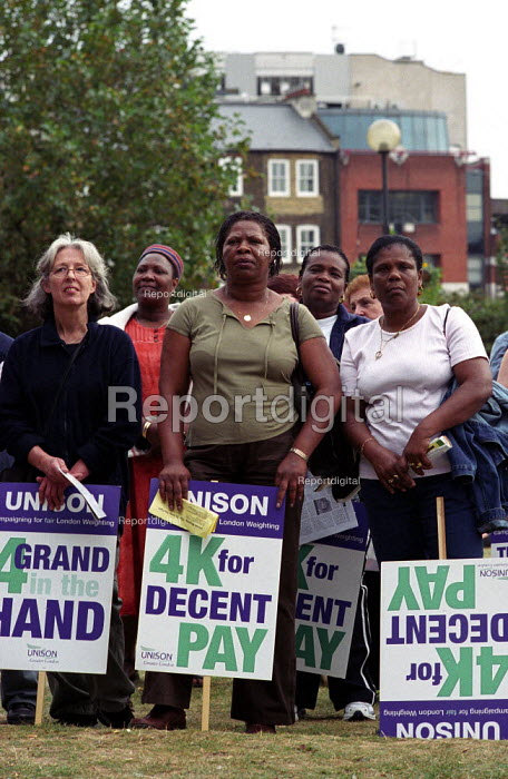 Local government workers one day strike for fair London weighting, rally in Potters Fields - Paul Mattsson - 2002-10-01