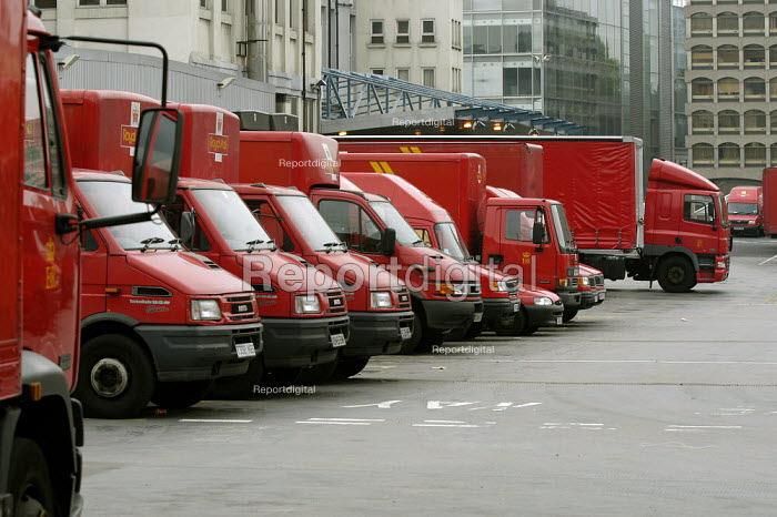 CWU postal workers 24 hour strike for an increase in their London weighting. Royal Mail delivery vans stand idle, Mount Pleasant sorting office, London - Paul Mattsson - 2003-10-01