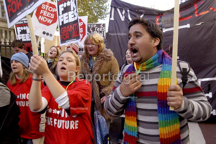 NUS students demonstration against top up fees, London. - Paul Mattsson - 2003-10-26