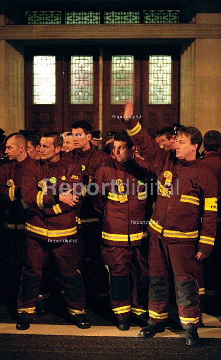 FBU Firefighters National Pay Strike. Picket of Lambeth Fire Station which is part of London Fire Brigage Headquarters, South London - Paul Mattsson - 2002-11-13