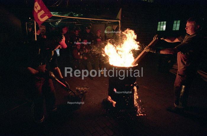 FBU Firefighters National Pay Strike. Picket of Homerton Fire Station, Hackney, East London - Paul Mattsson - 2002-11-15