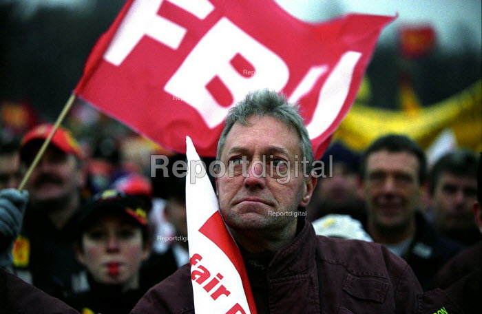 FBU, TUC National Demonstration in support of the Firefighters Pay Claim. Rally in Hyde Park - Paul Mattsson - 2002-12-07