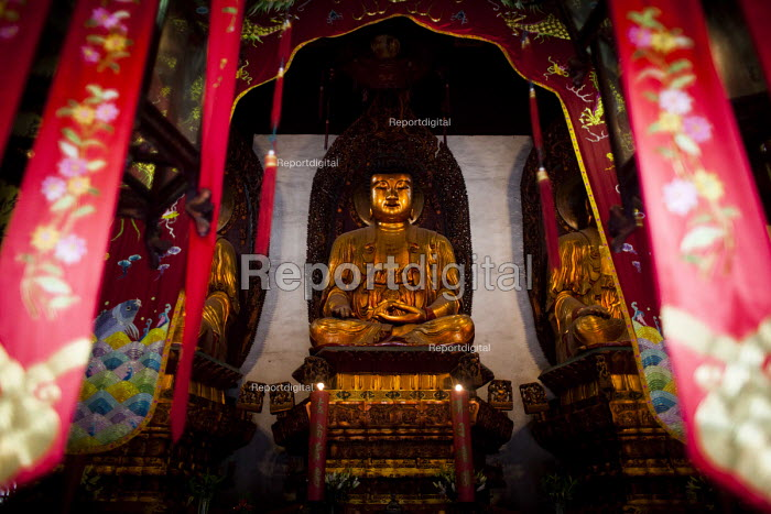 The Jade Buddha Temple, Shanghai, China - Connor Matheson - 2015-09-07