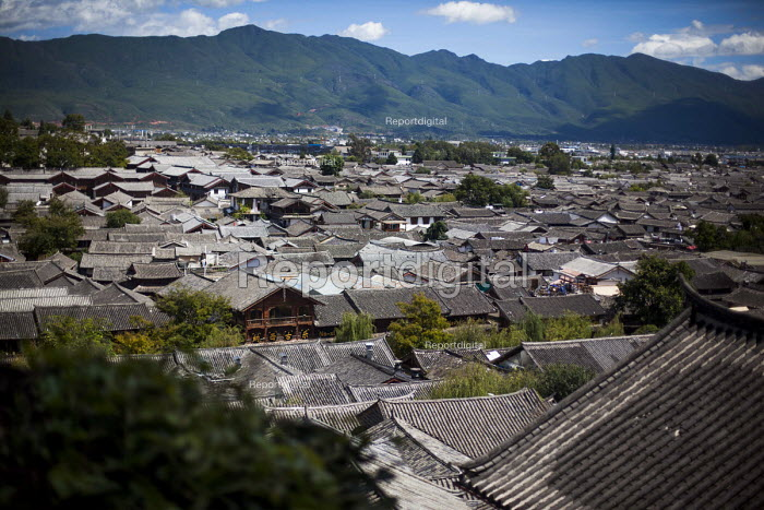 A general view of Lijiang Old Town, a tourist attraction. Lijang, Yunnan Province, China. - Connor Matheson - 2015-09-21