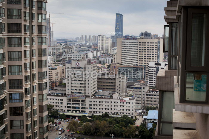Luxury housing apartments, Kunming, Yunnan Province, China. - Connor Matheson - 2015-09-26