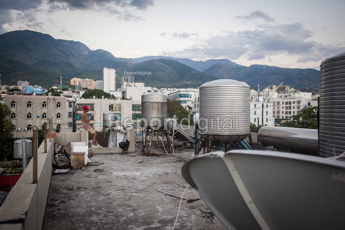 Rooftop, Dongcheng, Yunnan Province, China - Connor Matheson - 2015-09-28
