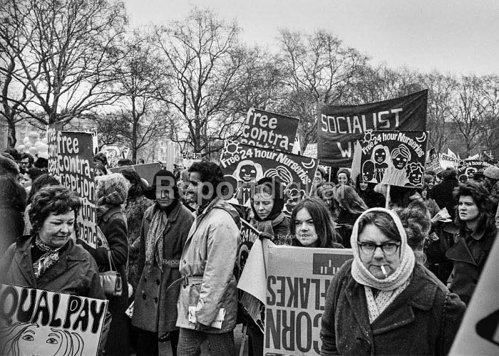 Women's Liberation march London - Martin Mayer - 1971-03-06