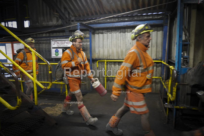 Report digital photojournalism - Miners coming off shift at