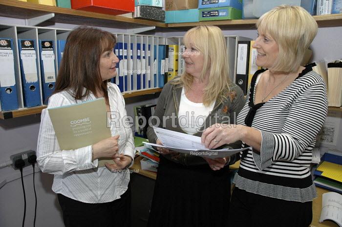 Administrative staff, Coombes Girls School office, London - Janina Struk - 2008-02-07