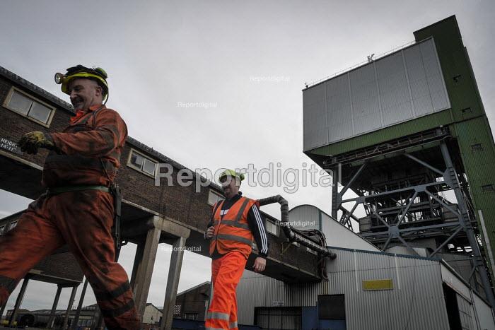 Closure of the last British deep coal mine, Kellingley Colliery.Last ever shift ending, Yorkshire - Mark Pinder - 2015-12-18