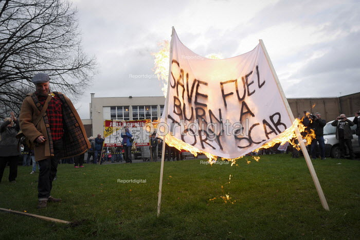 Closure of the last British deep coal mine, Kellingley Colliery.A march commemorating the colliery, from Knottingley Town hall to the miners welfare club in Knottingley, North Yorkshire, 19/12 2015 - Mark Pinder - 2015-12-19
