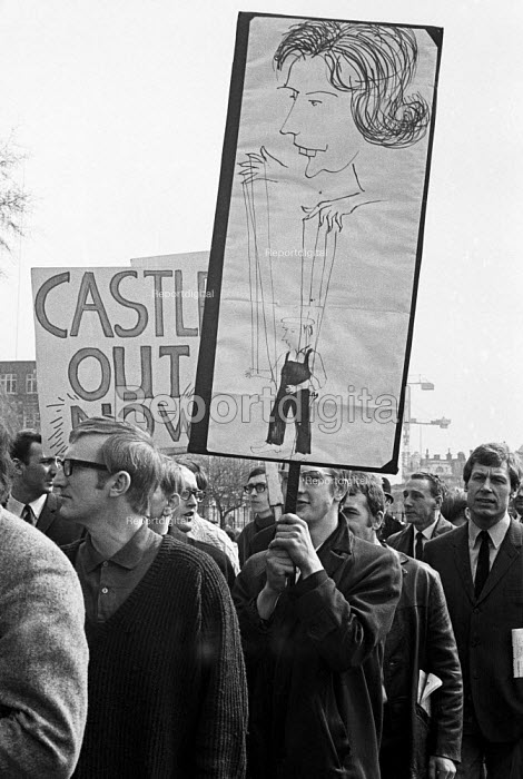 Placrard of Barbara Castle, Protest and national strike against Labour Government plan to reform industrial relations In Place of Strife, london - NLA - 1969-05-01