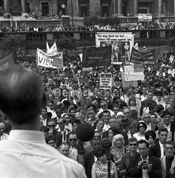 Protest against the Vietnam War, Trafalgar Square, London 1966 - NLA - 1966-08-03