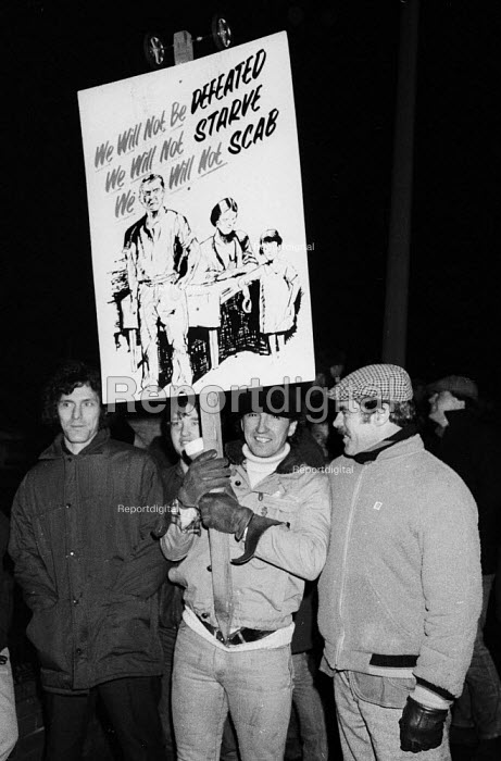Defiant miners picketing Thurnscoe Colliery in South Yorkshire in the winter of 1984 during the miners strike. - John Harris - 1984-12-12