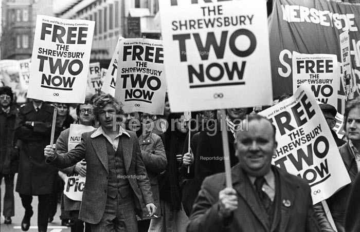 Shrewsbury Two: national demonstration calling for the release from jail of Ricky Tomlnson & Des Warren for their trade union activities, 1975. - John Sturrock - 1975-01-14