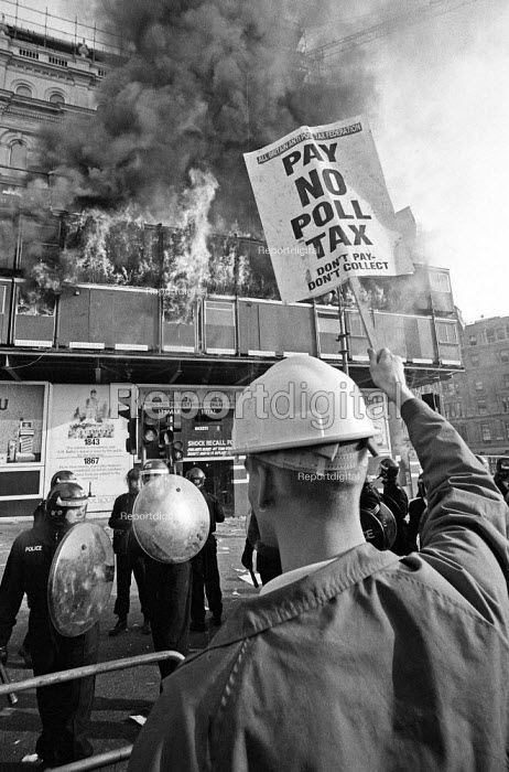 Poll Tax riot Trafalgar Square London 1990 Police charge protest - Paul Mattsson - 1990-03-31